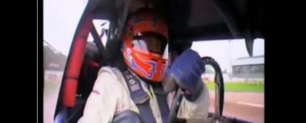 Motocicleta de dirt-track este o bestie. Filmul de mai jos exemplifica exact aceasta afirmatie , multiplul campion mondial Jason Crump se ia in piept cu Tiff Needel ( de la...