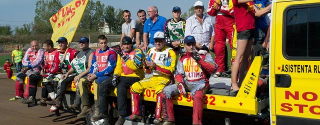 Pista stadionului CS Vointa Sibiu a gazduit duminica, 07 octombrie 2012, ultima etapa din Campionatul National de Speedway, etapa de perechi, cat si cele doua memoriale: Memorialul Gheorghe Voiculescu si...