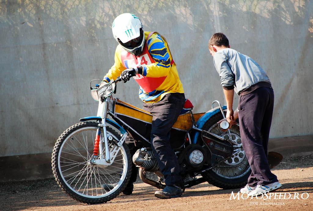 Detaliu foto - Ultima Etapa Perechi 2012 Speedway (53 of 186)