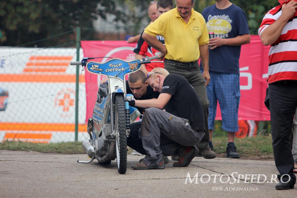 Detaliu foto - Gyula speedway race 81
